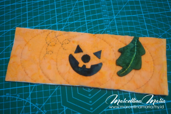 DIY Halloween mug cozy tutorial and pattern